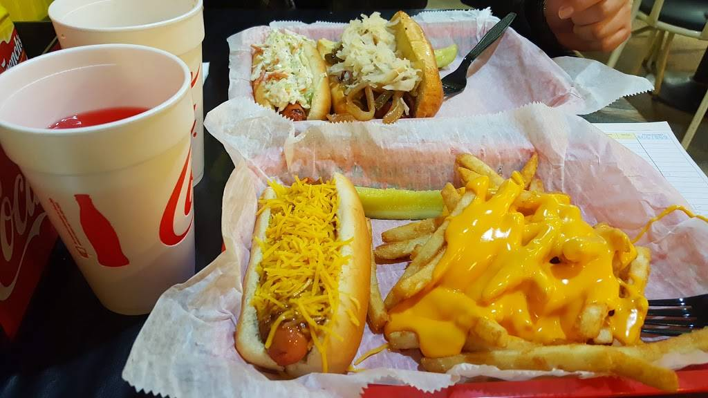 Famous Uncle Als Hot Dogs | restaurant | 151 Granby St, Norfolk, VA 23510, USA | 7576258319 OR +1 757-625-8319