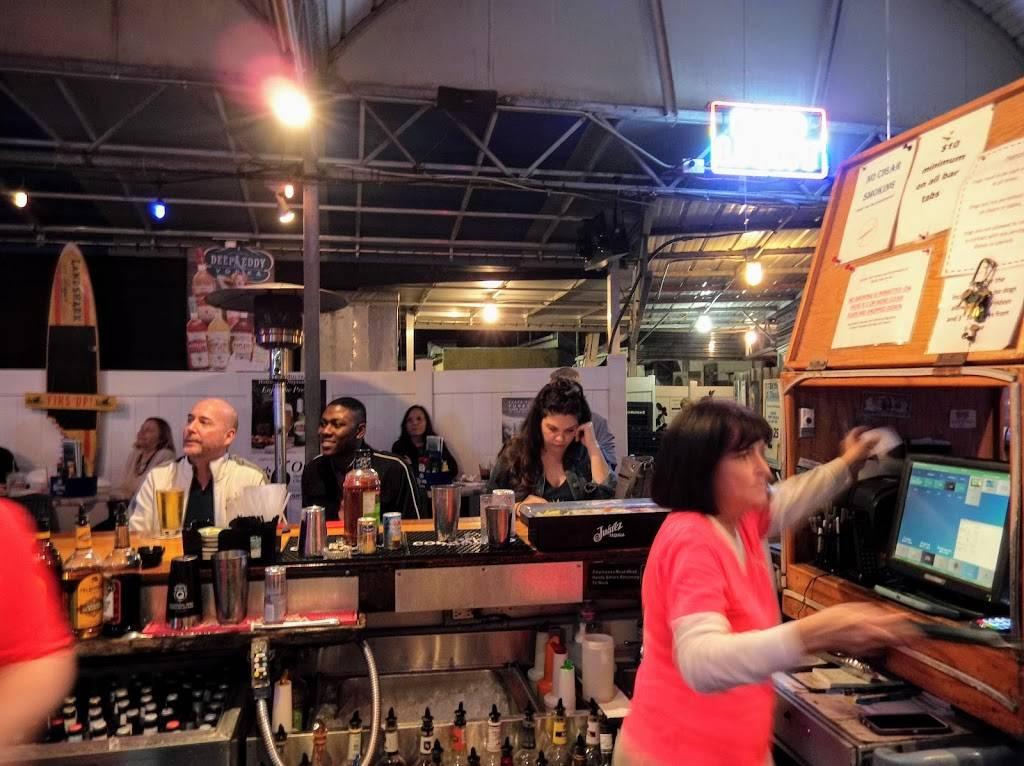 Neptune Grill | restaurant | 5501 Shore Blvd S, Gulfport, FL 33707, USA | 7276234823 OR +1 727-623-4823