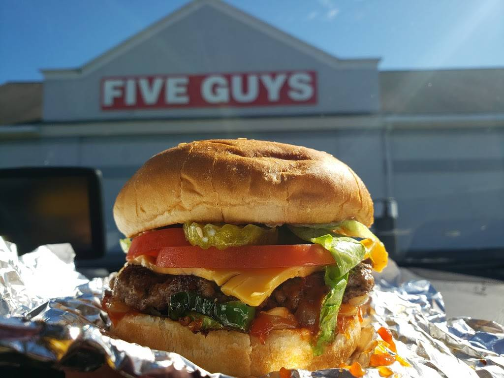 Five Guys | meal takeaway | 373 Main St, Waterville, ME 04901, USA | 2073135458 OR +1 207-313-5458