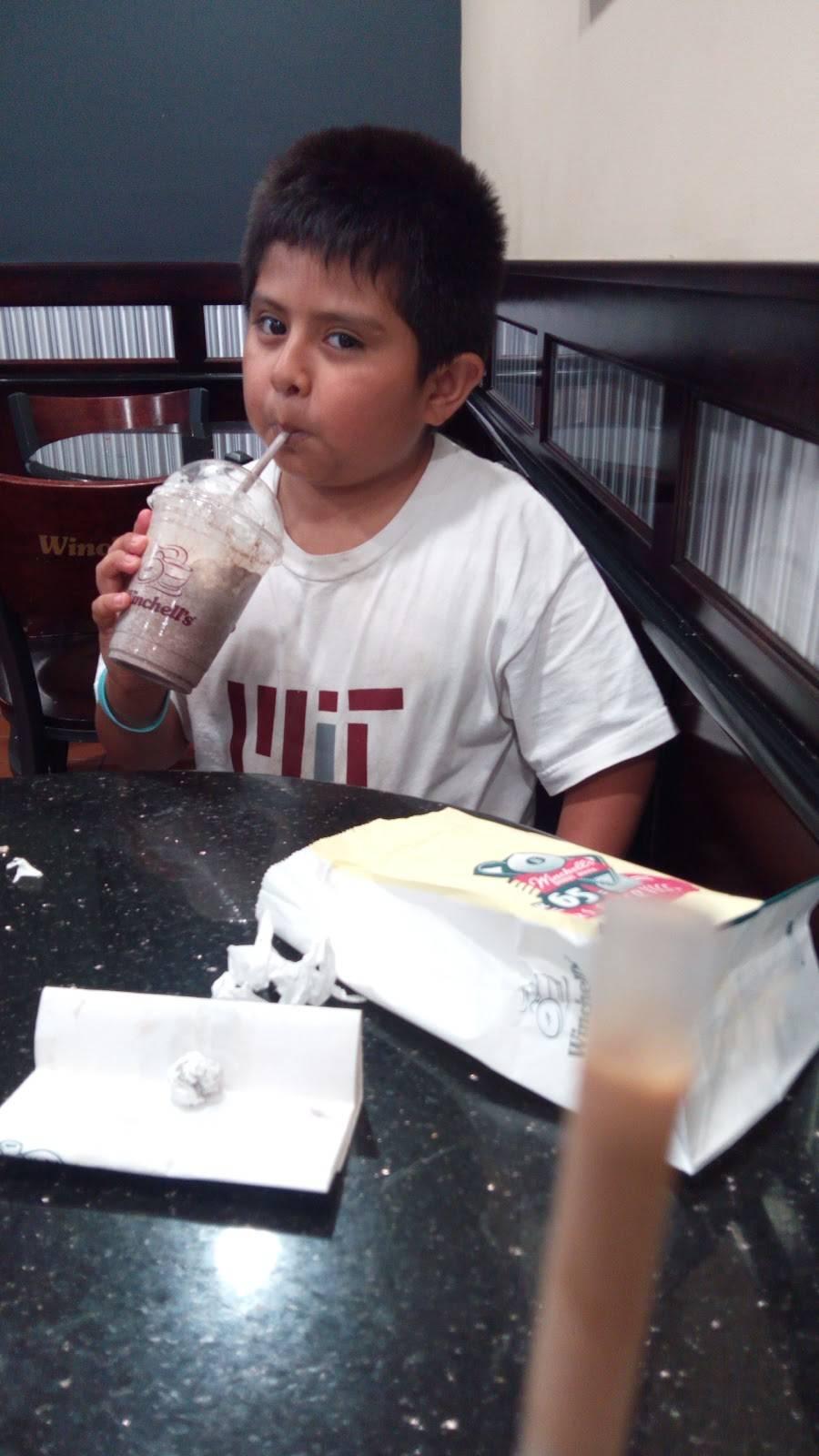 Winchells Donut House | cafe | 901 S Euclid St, Anaheim, CA 92802, USA | 7147741885 OR +1 714-774-1885