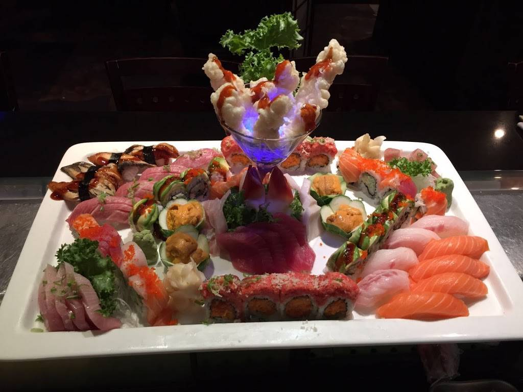 Fuji Sushi & Japanese restaurant | restaurant | 238, W56, New York, NY 10019, USA | 2125869888 OR +1 212-586-9888