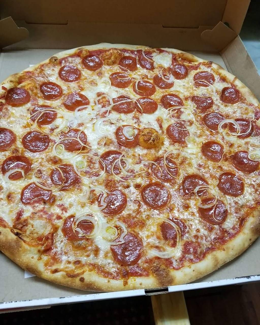 Madison Pizza | meal delivery | 775 Woodward Ave, Ridgewood, NY 11385, USA | 7188318555 OR +1 718-831-8555