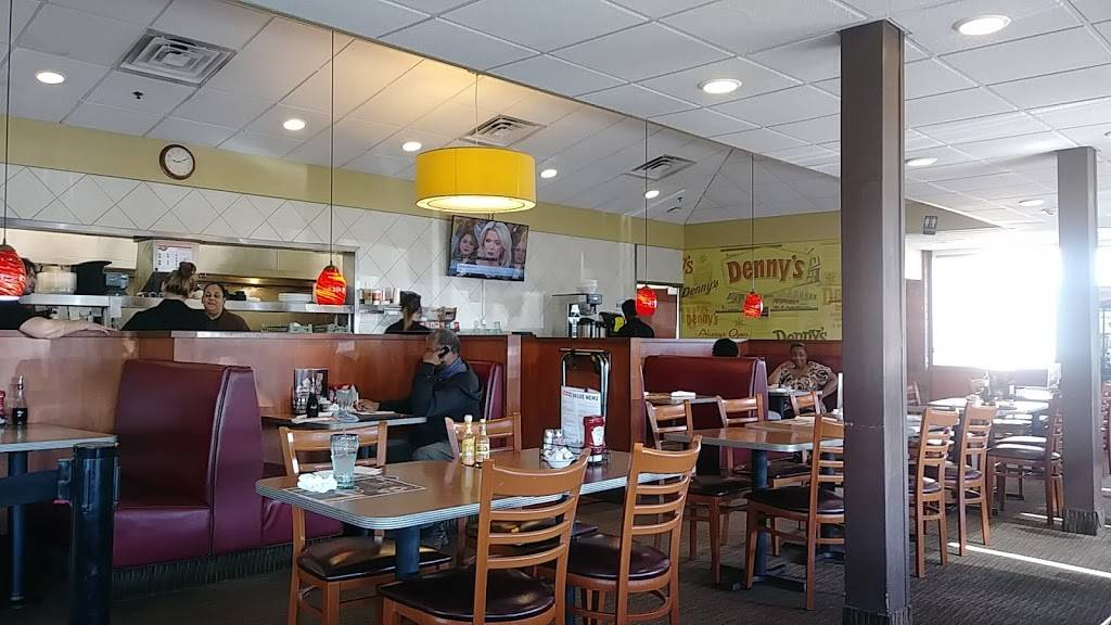 Dennys   restaurant   1380 Torrence Ave, Calumet City, IL 60409, USA   7088683160 OR +1 708-868-3160