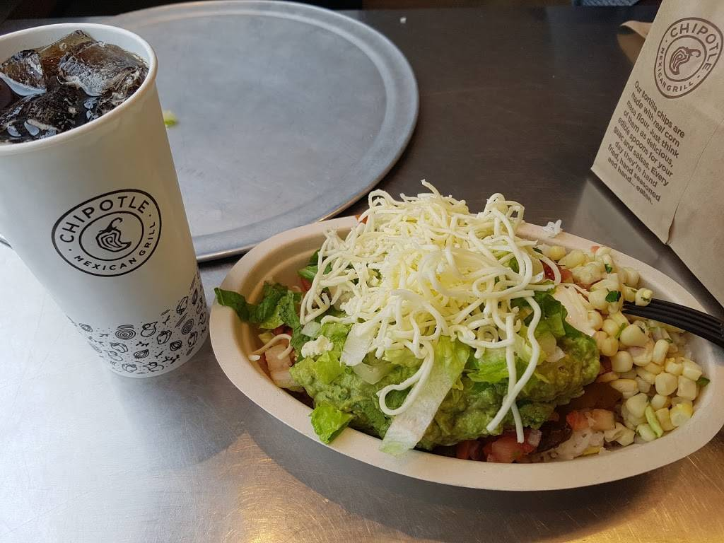 Chipotle Mexican Grill | restaurant | 14 The Promenade, Edgewater, NJ 07020, USA | 2014026275 OR +1 201-402-6275