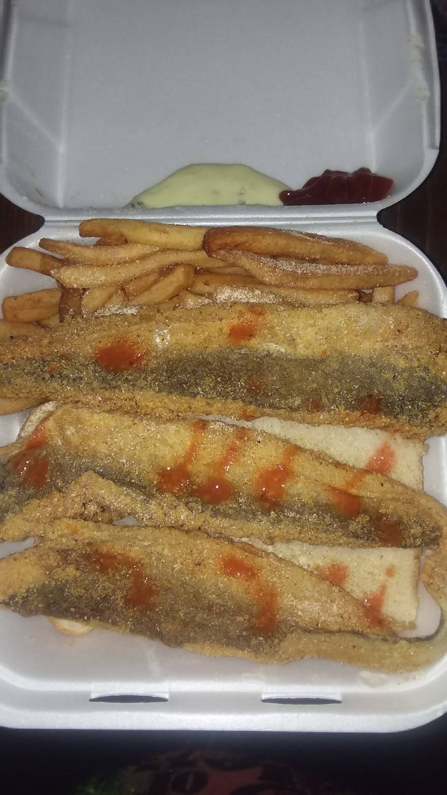 Fishers Pizza Fish & Chicken | restaurant | 3117 W 30th St, Indianapolis, IN 46222, USA | 3179252890 OR +1 317-925-2890