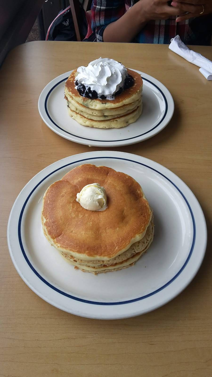 IHOP | bakery | 51 McHenry Rd, Buffalo Grove, IL 60089, USA | 8475378631 OR +1 847-537-8631