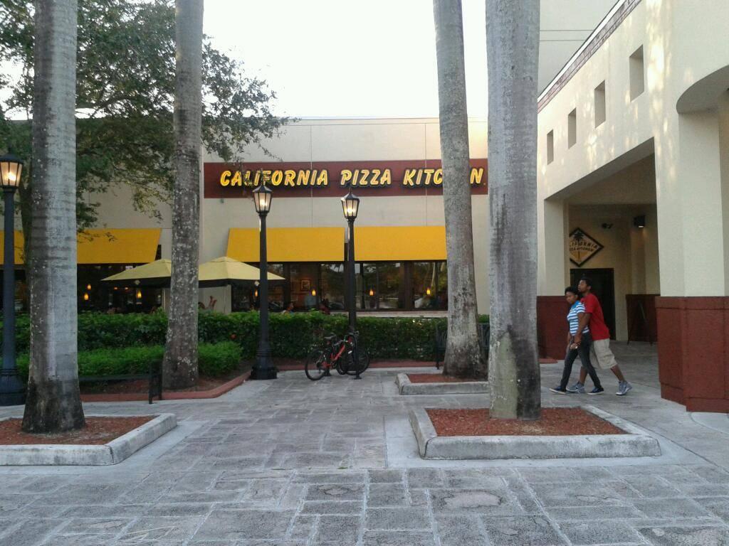 California Pizza Kitchen At Pembroke Pines Restaurant 11401 Pines Blvd Ste 100 Pembroke Pines Fl 33026 Usa