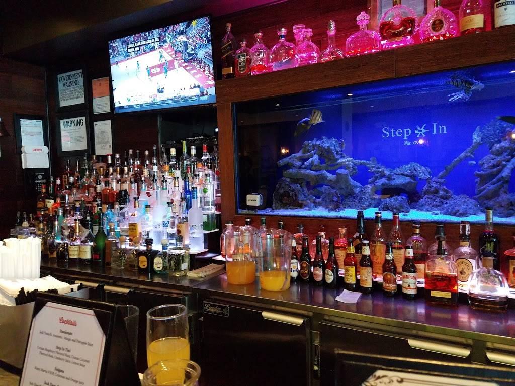 Step In | restaurant | 1309 Metropolitan Ave, Bronx, NY 10462, USA | 7188220562 OR +1 718-822-0562