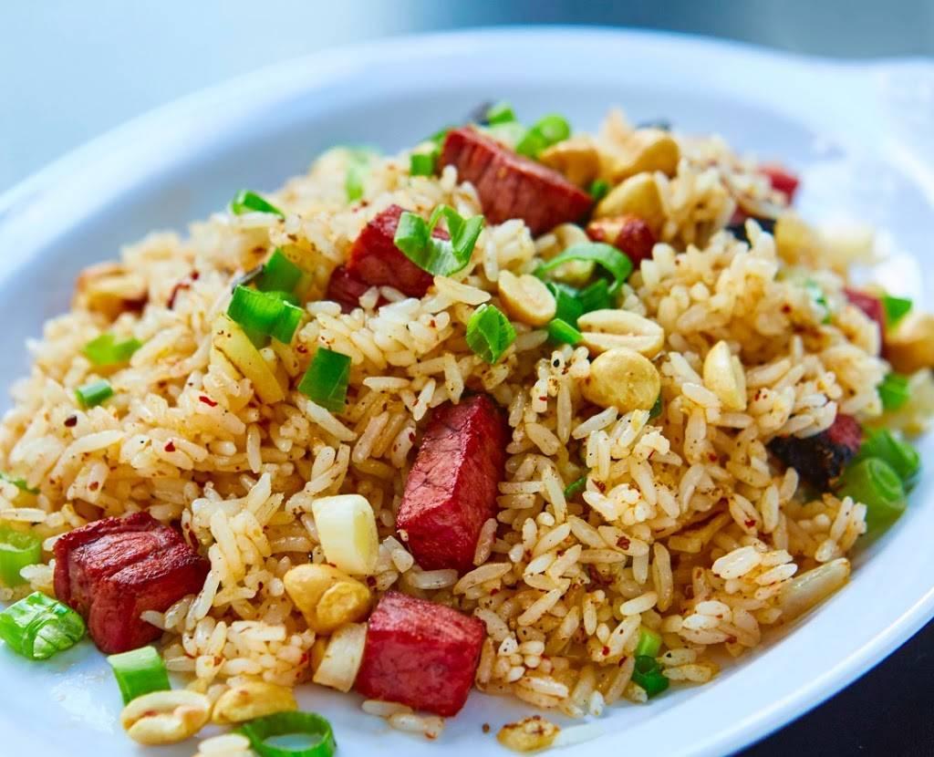 Fan Fried Rice Bar   meal takeaway   525 Dekalb Ave, Brooklyn, NY 11205, USA   9292902197 OR +1 929-290-2197