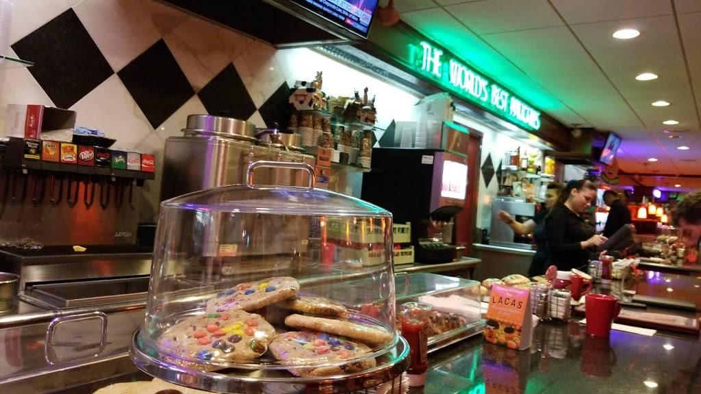 Broadway Diner   restaurant   1075 Broadway, Bayonne, NJ 07002, USA   2014377338 OR +1 201-437-7338