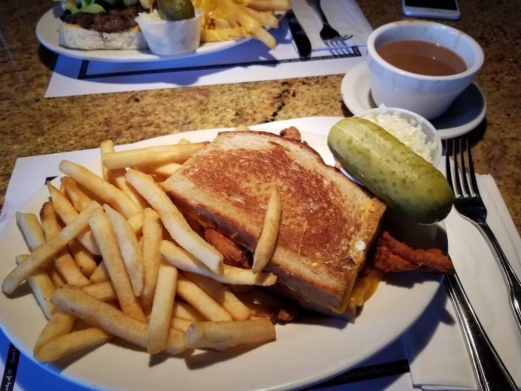 Coach House Restaurant North Bergen | cafe | 921 John F. Kennedy Blvd, North Bergen, NJ 07047, USA | 2018648600 OR +1 201-864-8600
