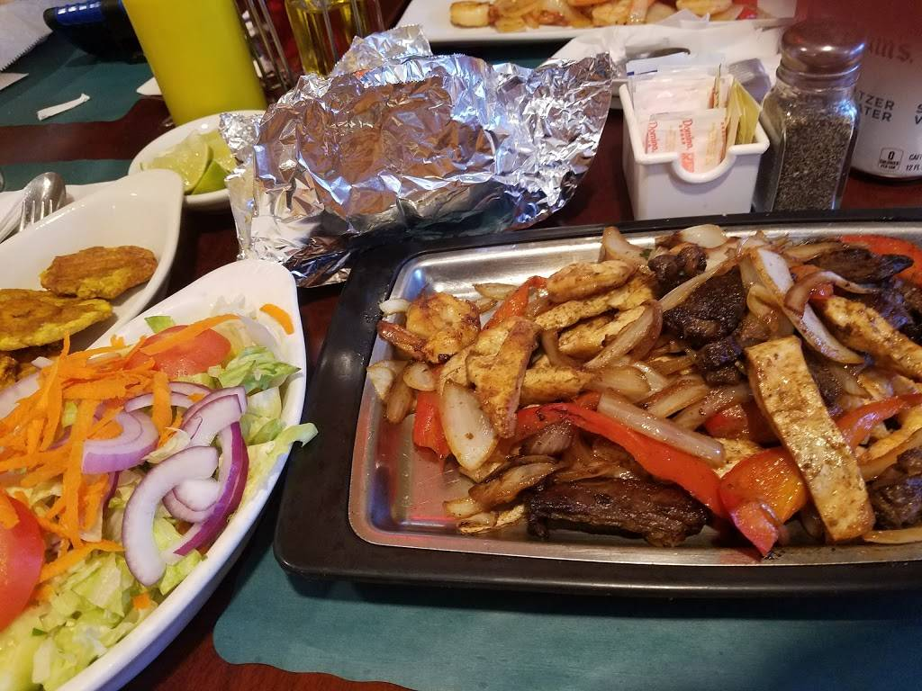 Centro Latino | restaurant | 6217 Bergenline Ave # A, West New York, NJ 07093, USA | 2018685175 OR +1 201-868-5175