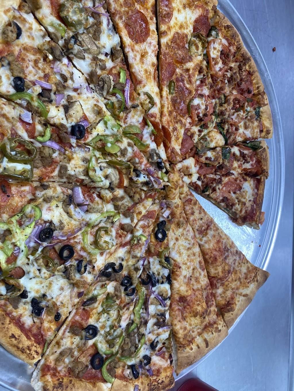 Vamos Pizza | restaurant | 565 W Oates Rd #140, Garland, TX 75043, USA | 4692067353 OR +1 469-206-7353
