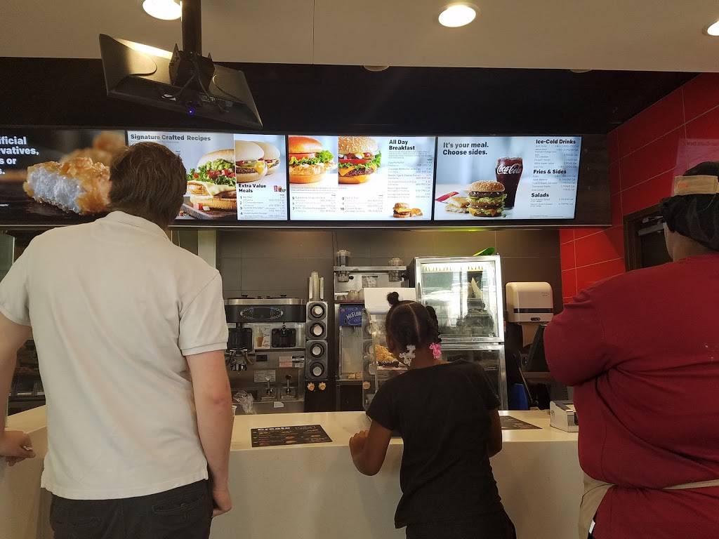 McDonalds | cafe | 1017 W Main St, Peoria, IL 61615, USA | 3096711017 OR +1 309-671-1017