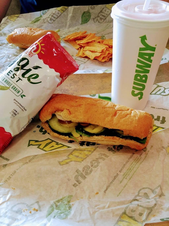 Subway | meal takeaway | 1311 E Main St, Ville Platte, LA 70586, USA | 3373635709 OR +1 337-363-5709