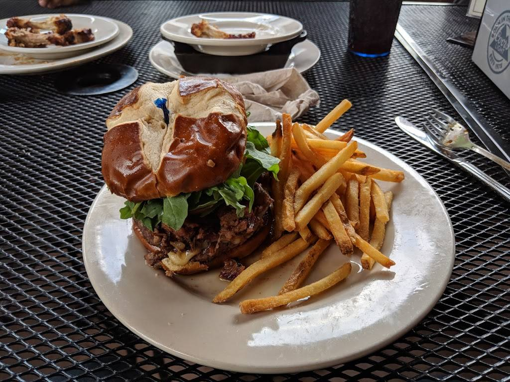 Rack House Kitchen and Tavern | restaurant | 222 E Algonquin Rd, Arlington Heights, IL 60005, USA | 8476407225 OR +1 847-640-7225