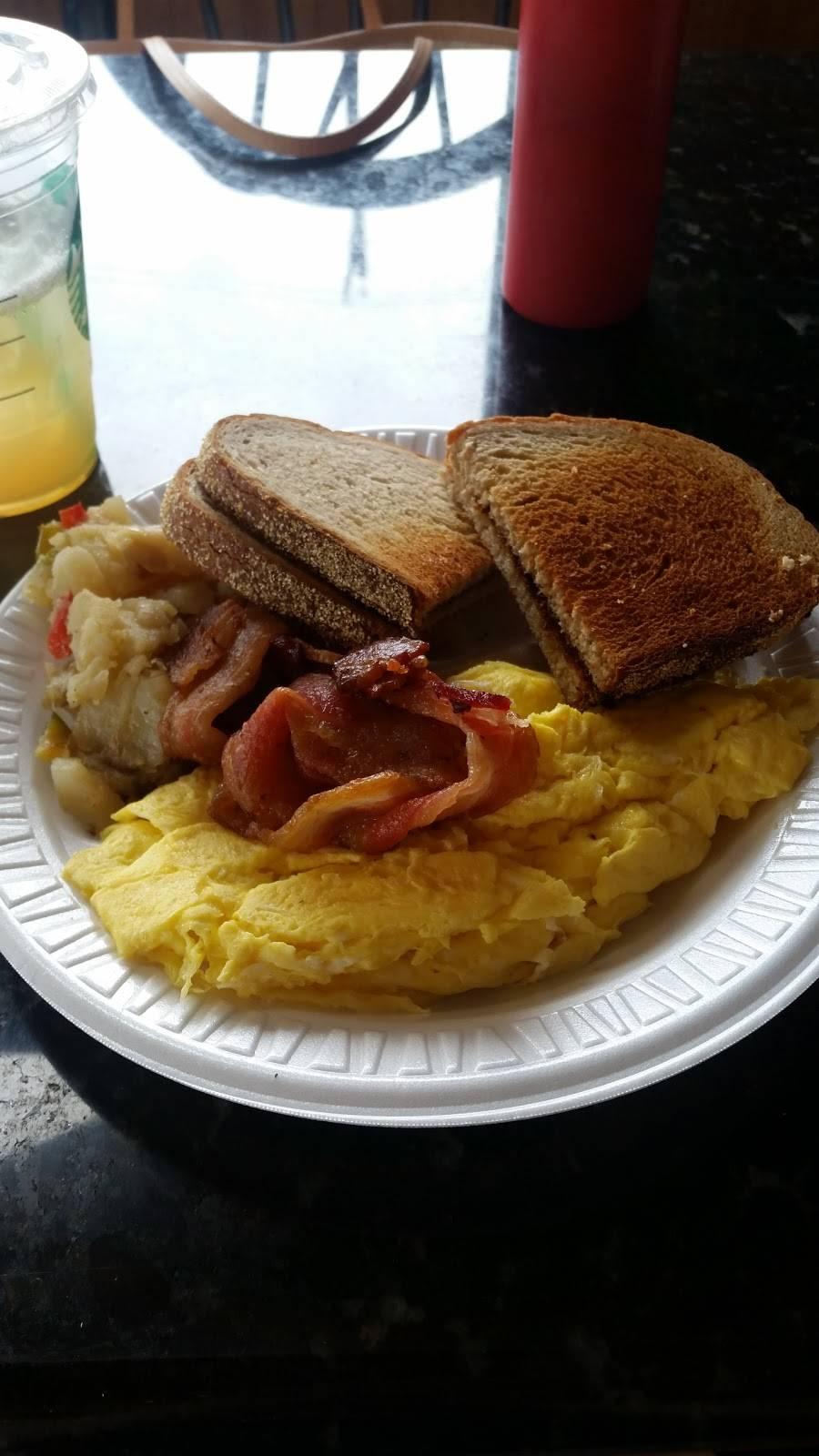 Berry Creek Cafe | restaurant | 55 Moonachie Ave, Moonachie, NJ 07074, USA | 2019336540 OR +1 201-933-6540