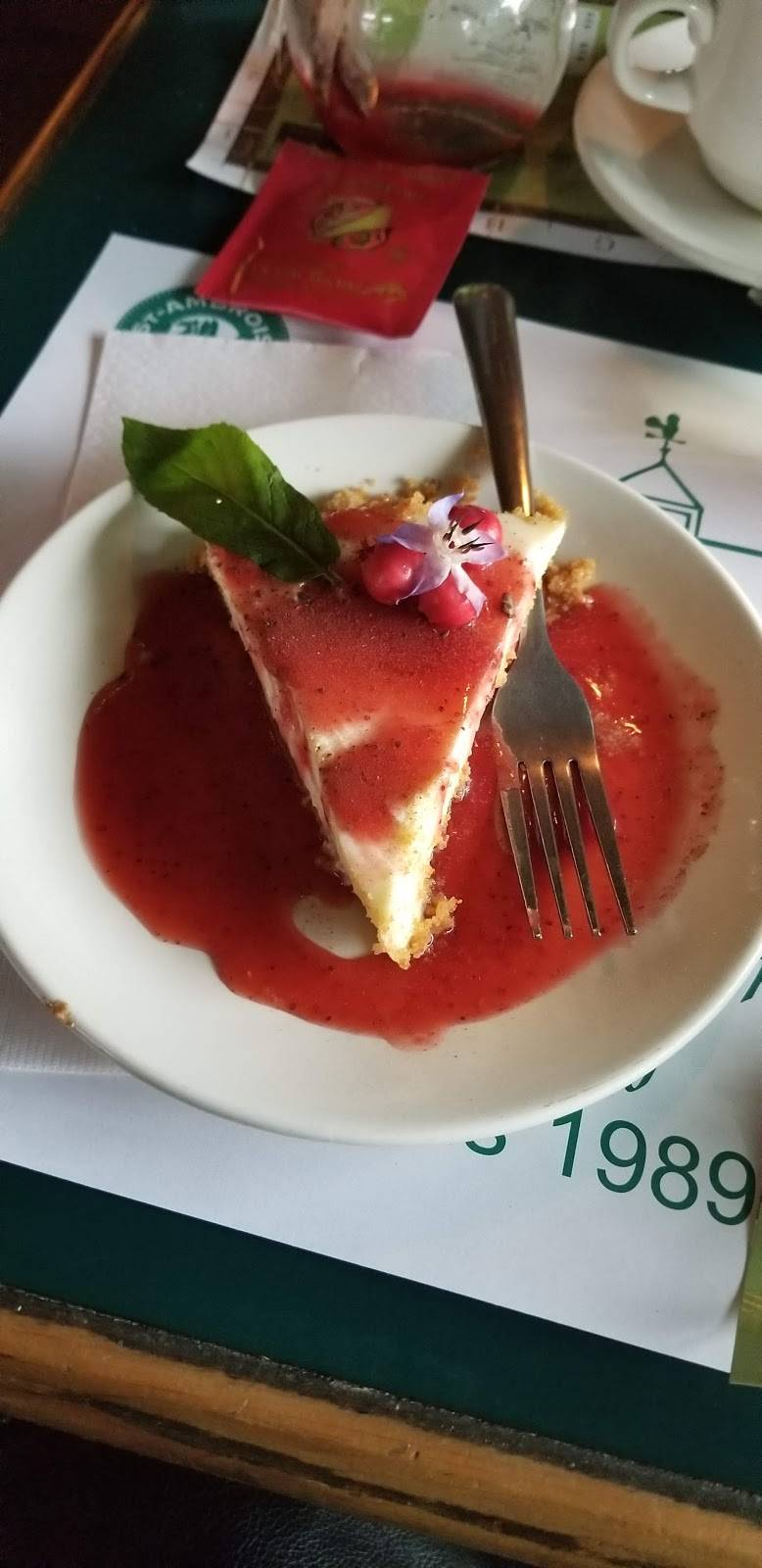 Restaurant Aux 2 Clochers | restaurant | 2 Rue de lÉglise, Frelighsburg, QC J0J 1C0, Canada | 4502985086 OR +1 450-298-5086