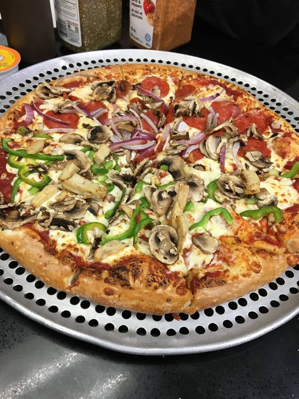 Four Brothers Pizza | meal delivery | 2828 Kingsway Dr #1, Oakville, ON L6J 6X7, Canada | 9058294040 OR +1 905-829-4040