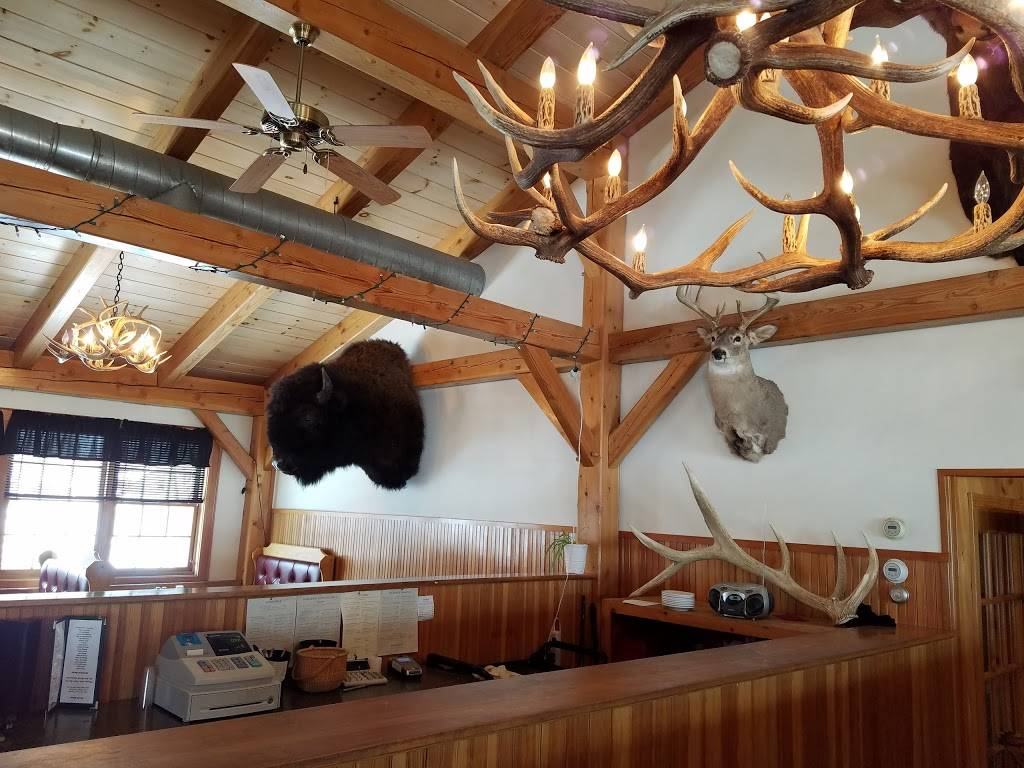Derby Cow Palace | restaurant | 3111 US-5, Derby, VT 05829, USA | 8027664724 OR +1 802-766-4724
