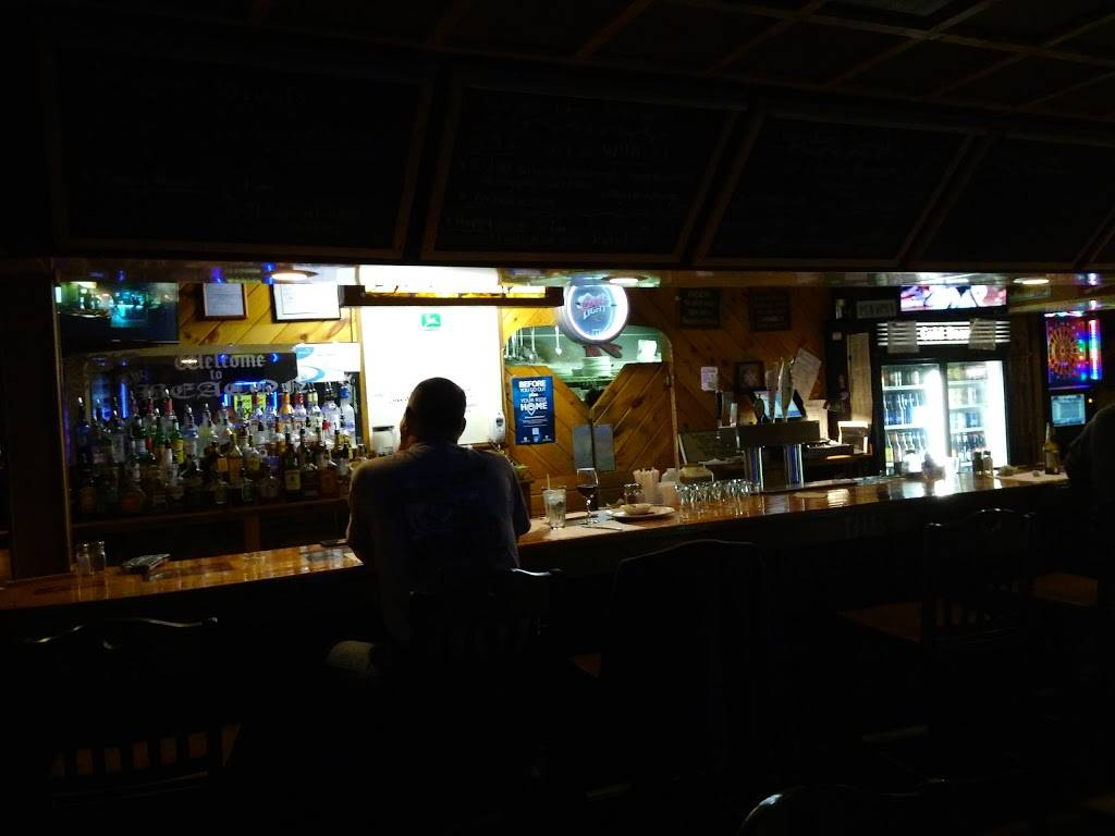 The Beacon Bar & Grill | restaurant | 5916 PA-171, Union Dale, PA 18470, USA | 5706792371 OR +1 570-679-2371