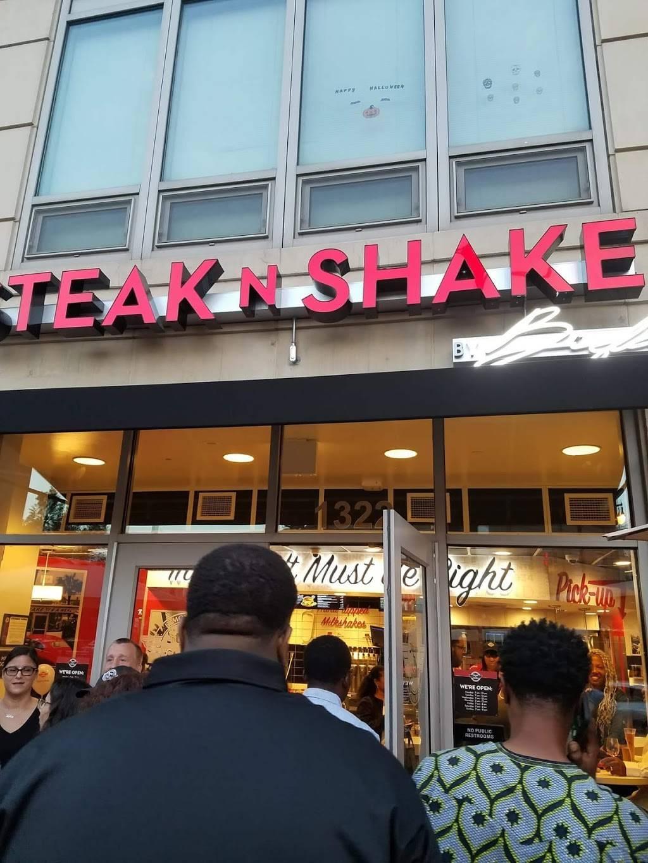 Steak n Shake | restaurant | 1322 S Halsted St, Chicago, IL 60607, USA | 3122015780 OR +1 312-201-5780