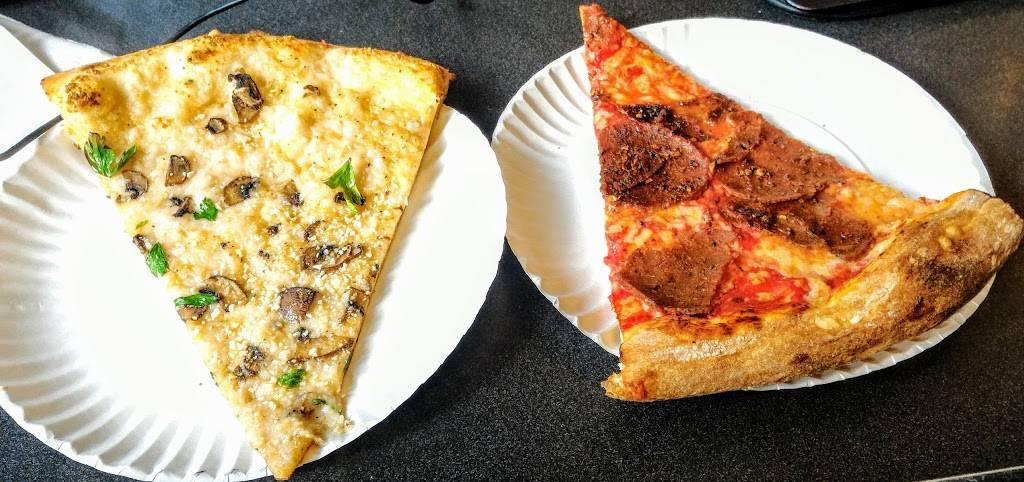 Screamers Pizzeria | restaurant | 620 Manhattan Ave, Brooklyn, NY 11222, USA | 3478449412 OR +1 347-844-9412