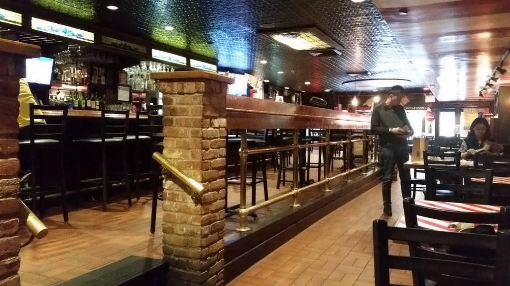 TGI Fridays | restaurant | 47 Broadway, New York, NY 10006, USA | 2124838322 OR +1 212-483-8322
