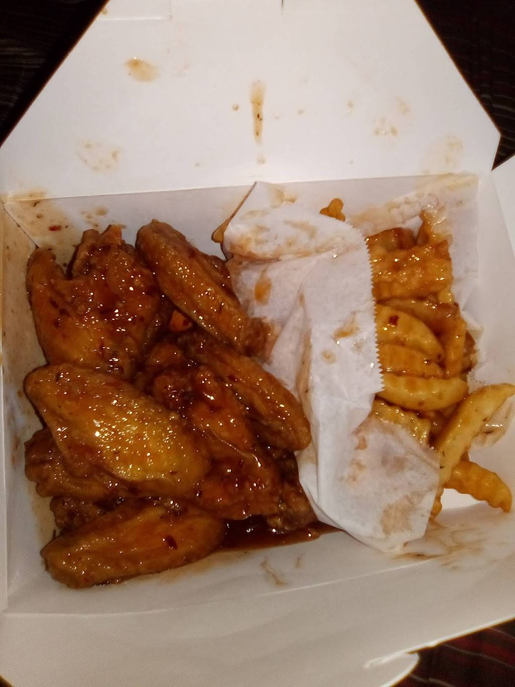 Golden Wingz | restaurant | 14655 Greenfield Rd, Detroit, MI 48227, USA | 3133978383 OR +1 313-397-8383