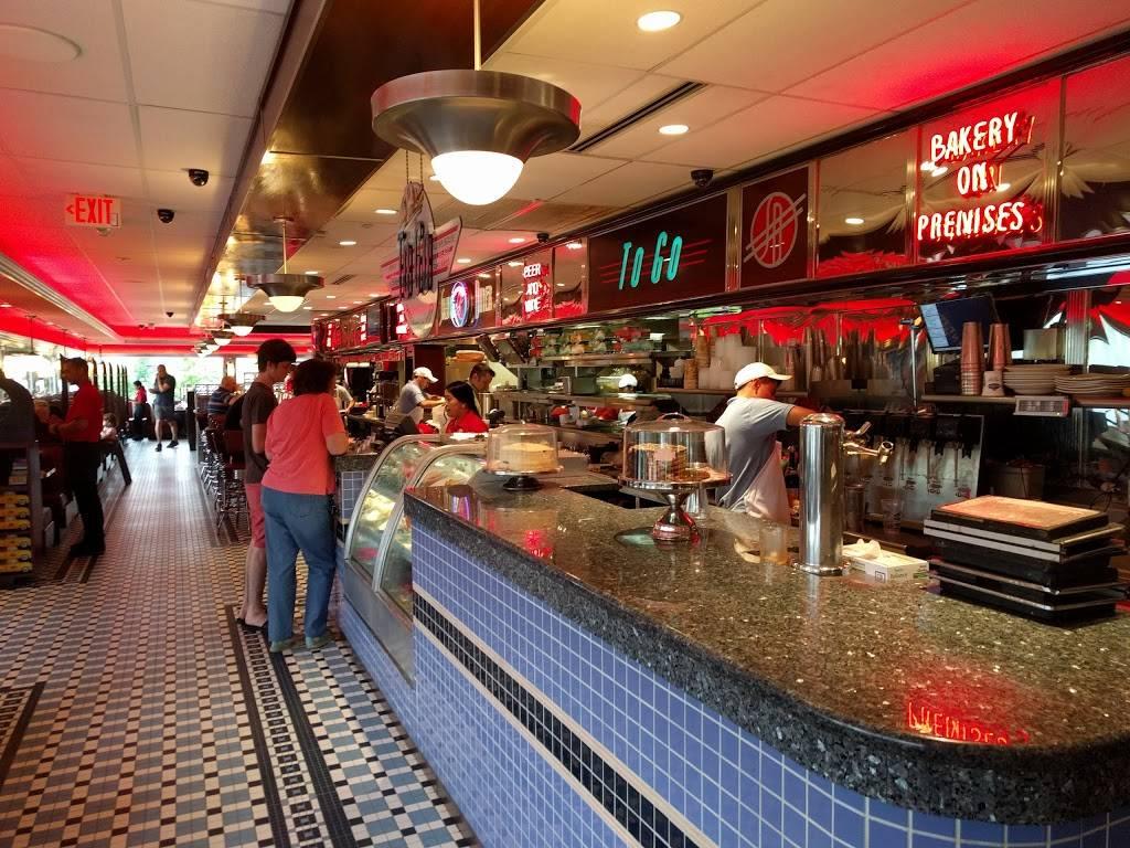 Silver Diner- Reston   restaurant   11951 Killingsworth Ave, Reston, VA 20194, USA   7037420801 OR +1 703-742-0801