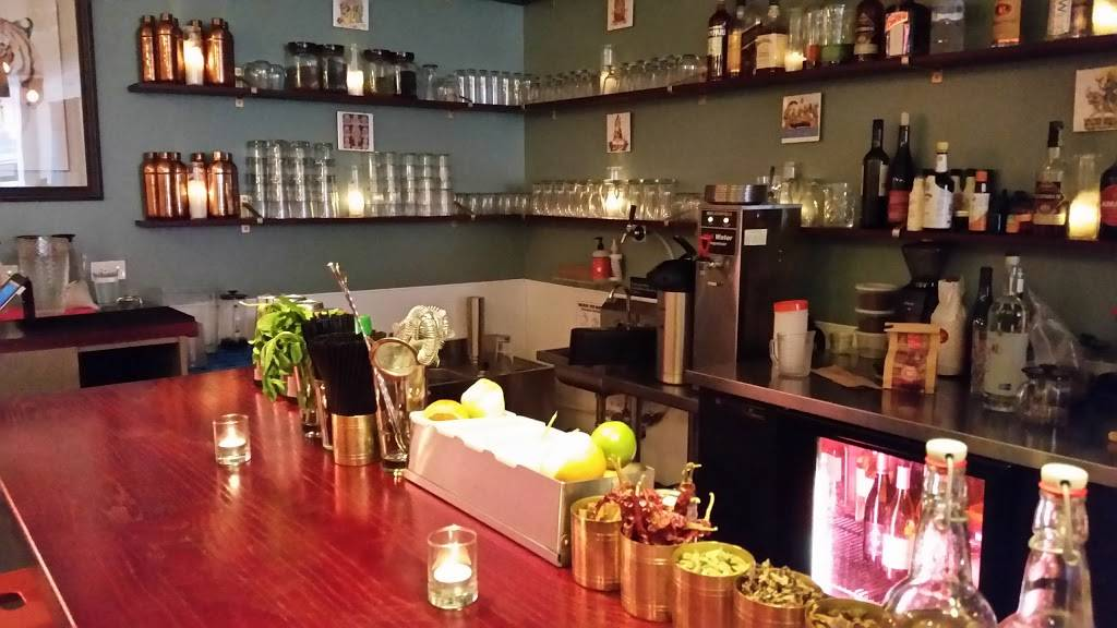 Mango Pickle | restaurant | 5842 N Broadway, Chicago, IL 60660, USA | 7739445555 OR +1 773-944-5555