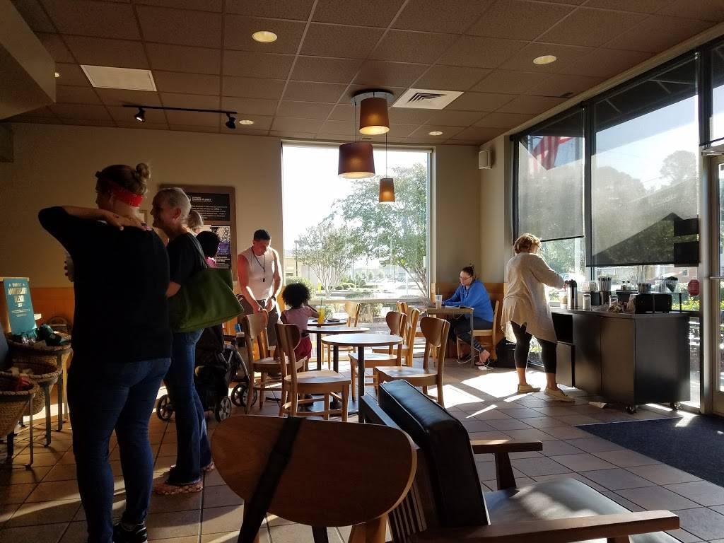 Starbucks | cafe | 603 N Berkeley Blvd, Goldsboro, NC 27534, USA | 9197787866 OR +1 919-778-7866