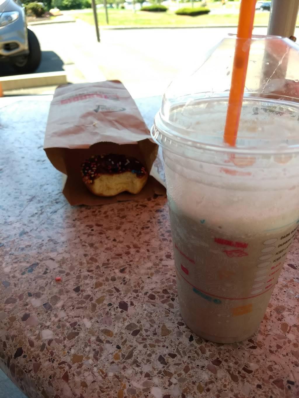 Dunkin | bakery | 2368 Berlin Turnpike, Newington, CT 06111, USA | 8606650567 OR +1 860-665-0567
