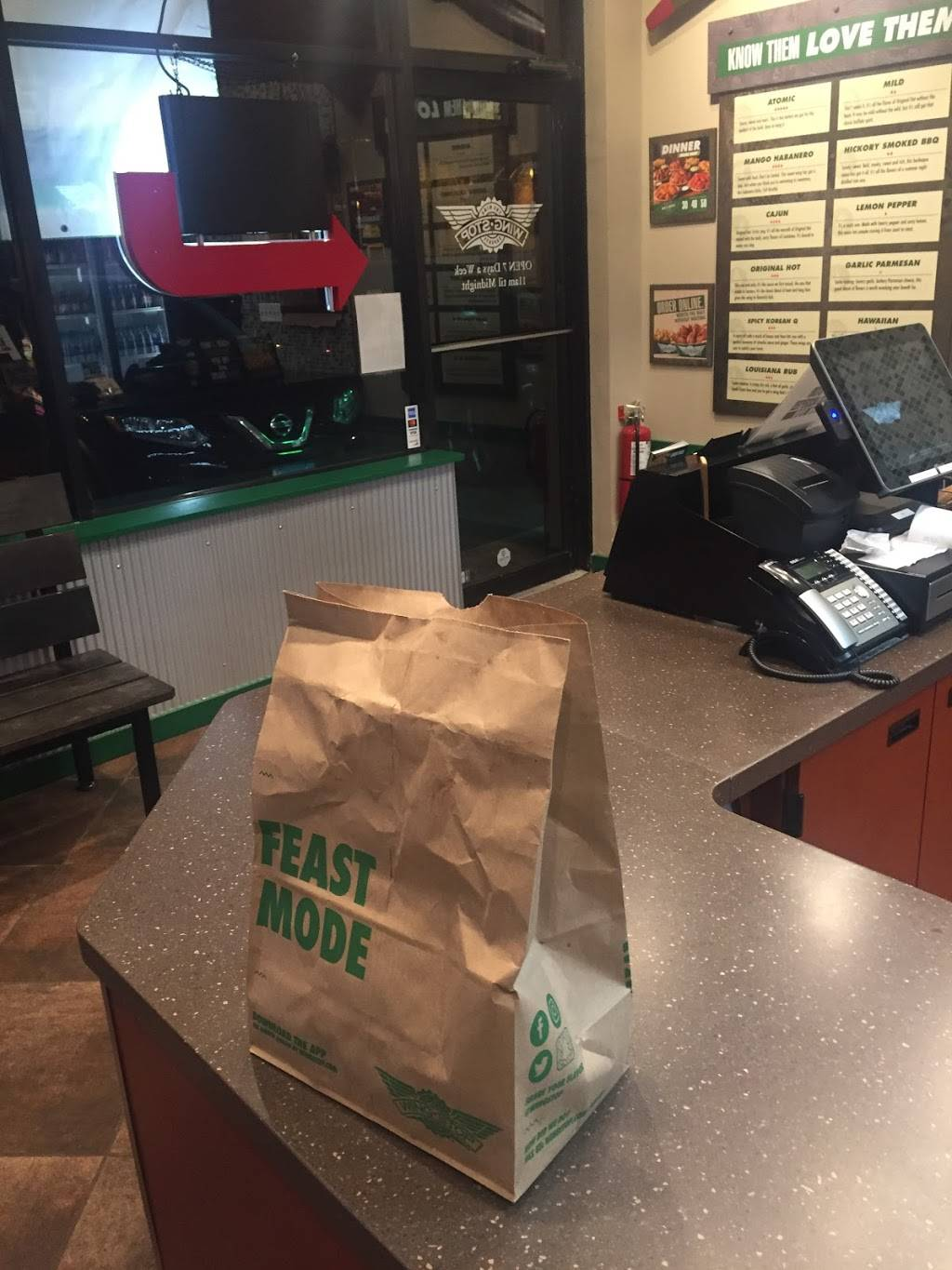 Wingstop | restaurant | 4547 N Broadway, Chicago, IL 60640, USA | 7735060388 OR +1 773-506-0388