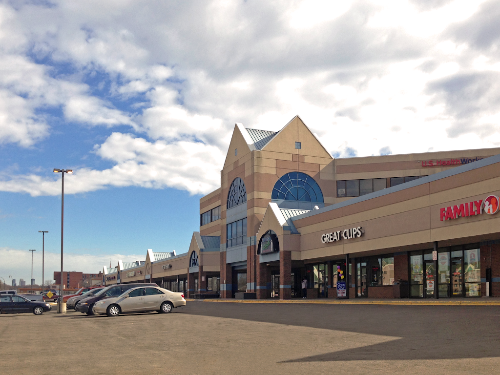Robbinsdale Town Center | shopping mall | 4080 W Broadway Ave, Robbinsdale, MN 55422, USA | 8002911454 OR +1 800-291-1454