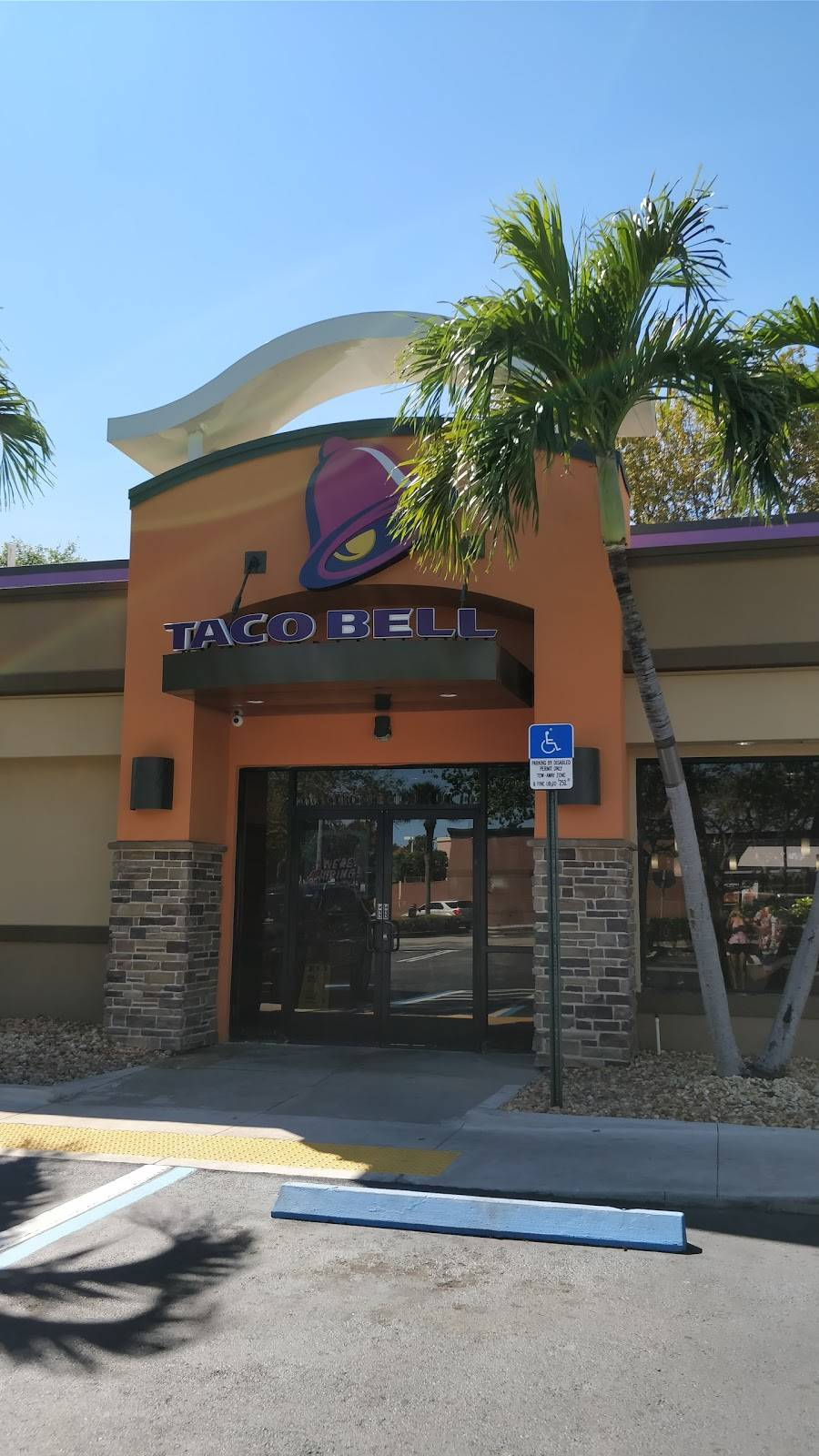 Taco Bell | meal takeaway | 13550 SW 152nd St, Miami, FL 33177, USA | 3052546141 OR +1 305-254-6141