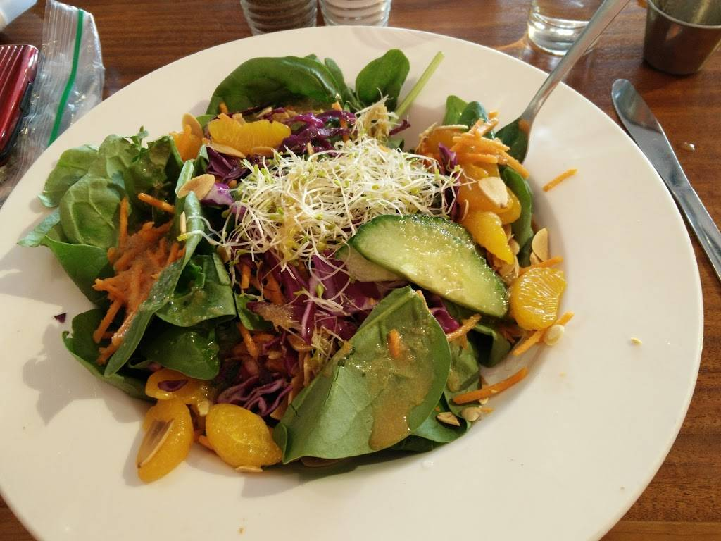 Le Cafetier | restaurant | 9 Rue Principale N, Sutton, QC J0E 2K0, Canada | 4505387333 OR +1 450-538-7333