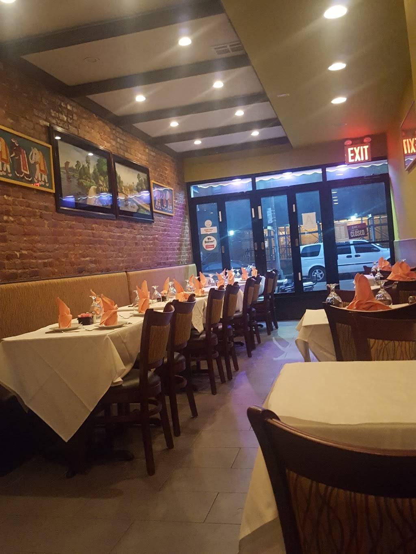 Sapphire   restaurant   435 Dekalb Ave, Brooklyn, NY 11205, USA   7186845777 OR +1 718-684-5777