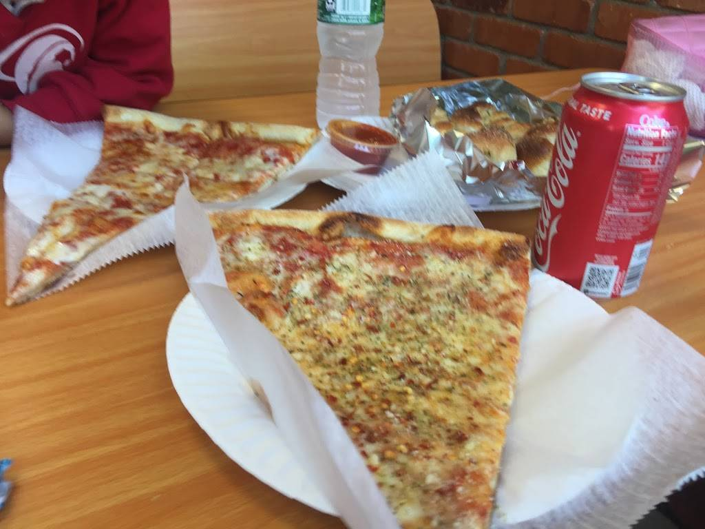 Luigis Pizza & Pasta   restaurant   808 Burke Ave, Bronx, NY 10467, USA   7185477500 OR +1 718-547-7500