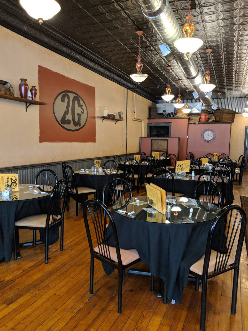 2 Gs Barbecue | restaurant | 116 N Main St, Bellefontaine, OH 43311, USA | 9372108429 OR +1 937-210-8429