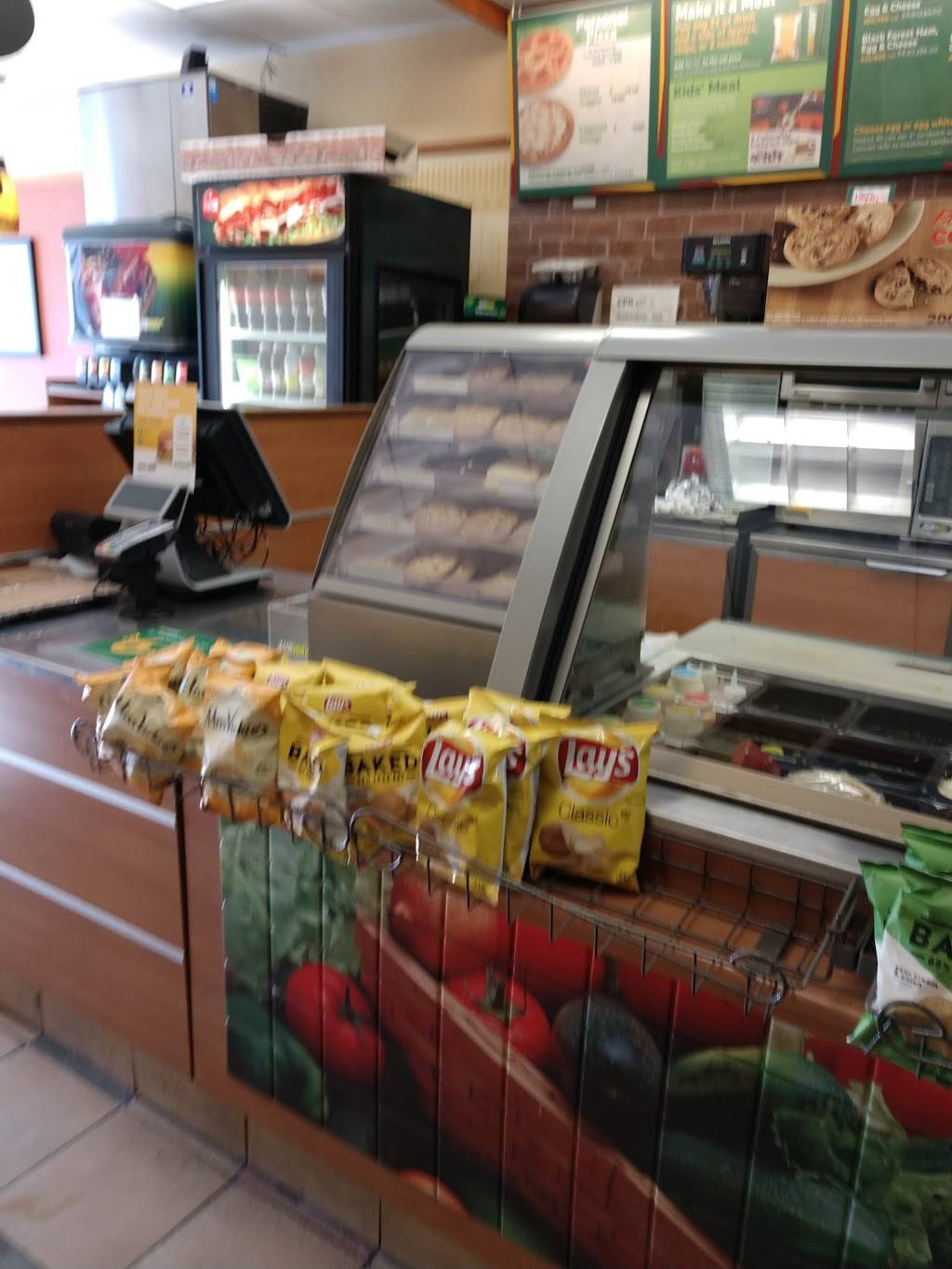 Subway Restaurants | restaurant | 597 E Tremont Ave, Bronx, NY 10457, USA | 3472714950 OR +1 347-271-4950