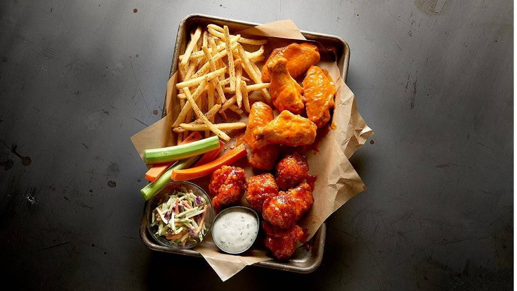 Buffalo Wild Wings | meal takeaway | 420 Monticello Ave Suite 150, Norfolk, VA 23510, USA | 7579653959 OR +1 757-965-3959