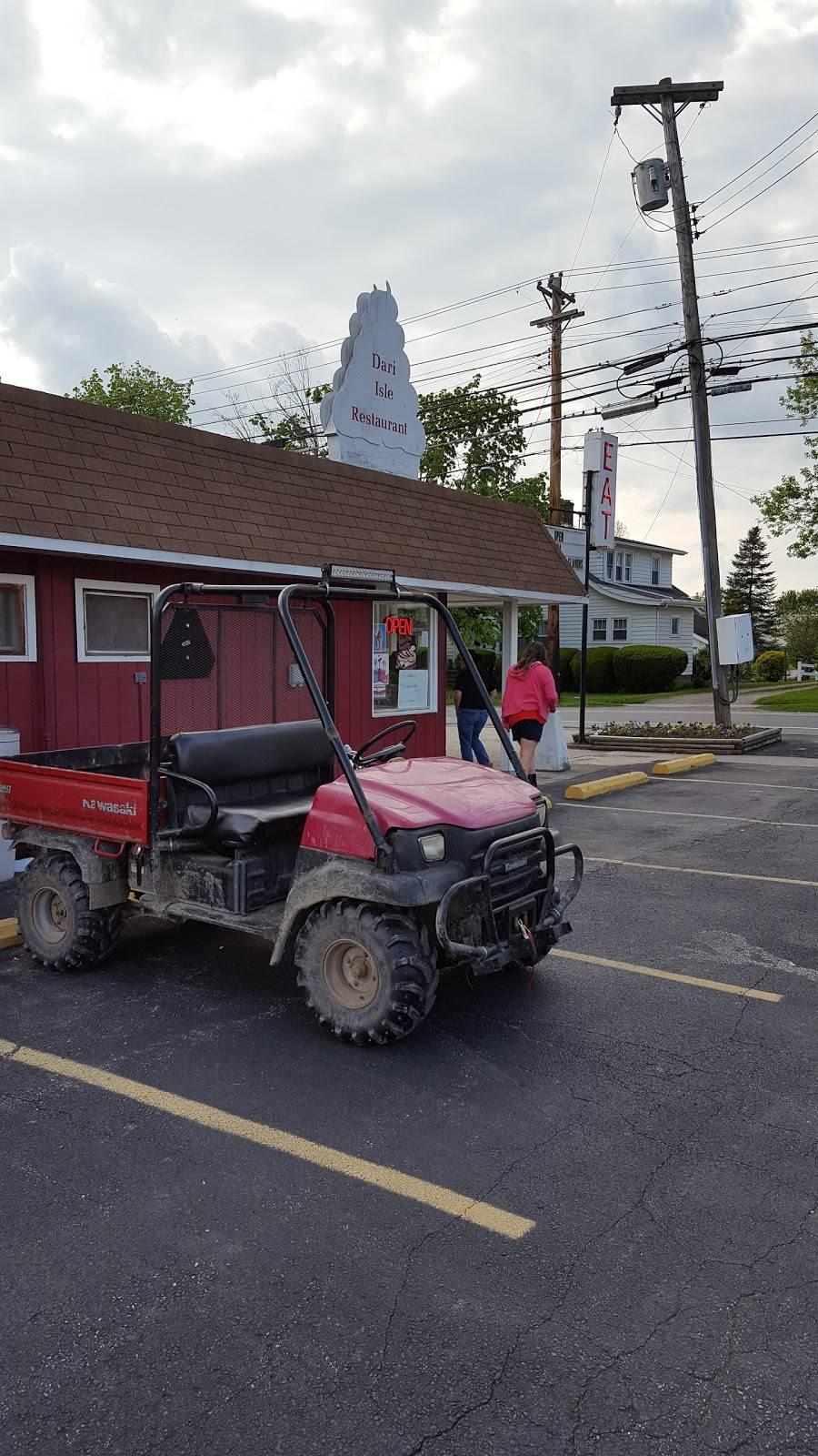 Dairy Isle Restaurant   restaurant   413 Bank St, Lodi, OH 44254, USA   3309482613 OR +1 330-948-2613