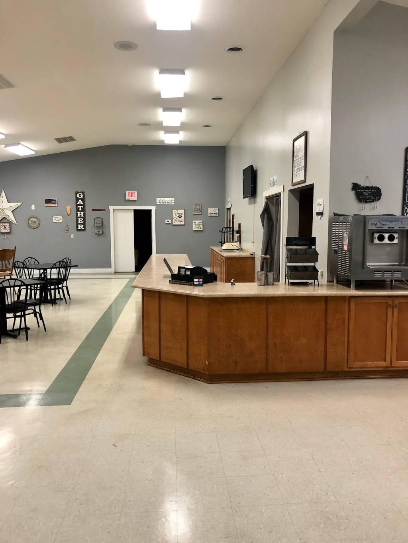 Black Sheep Diner | restaurant | 115 Quarry Rd, Auburn, KY 42206, USA | 2705428679 OR +1 270-542-8679