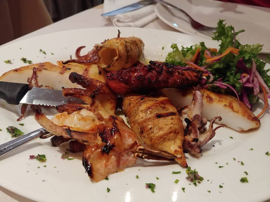 Loukoumi Taverna | restaurant | 45-07 Ditmars Blvd, Queens, NY 11105, USA | 7186263200 OR +1 718-626-3200