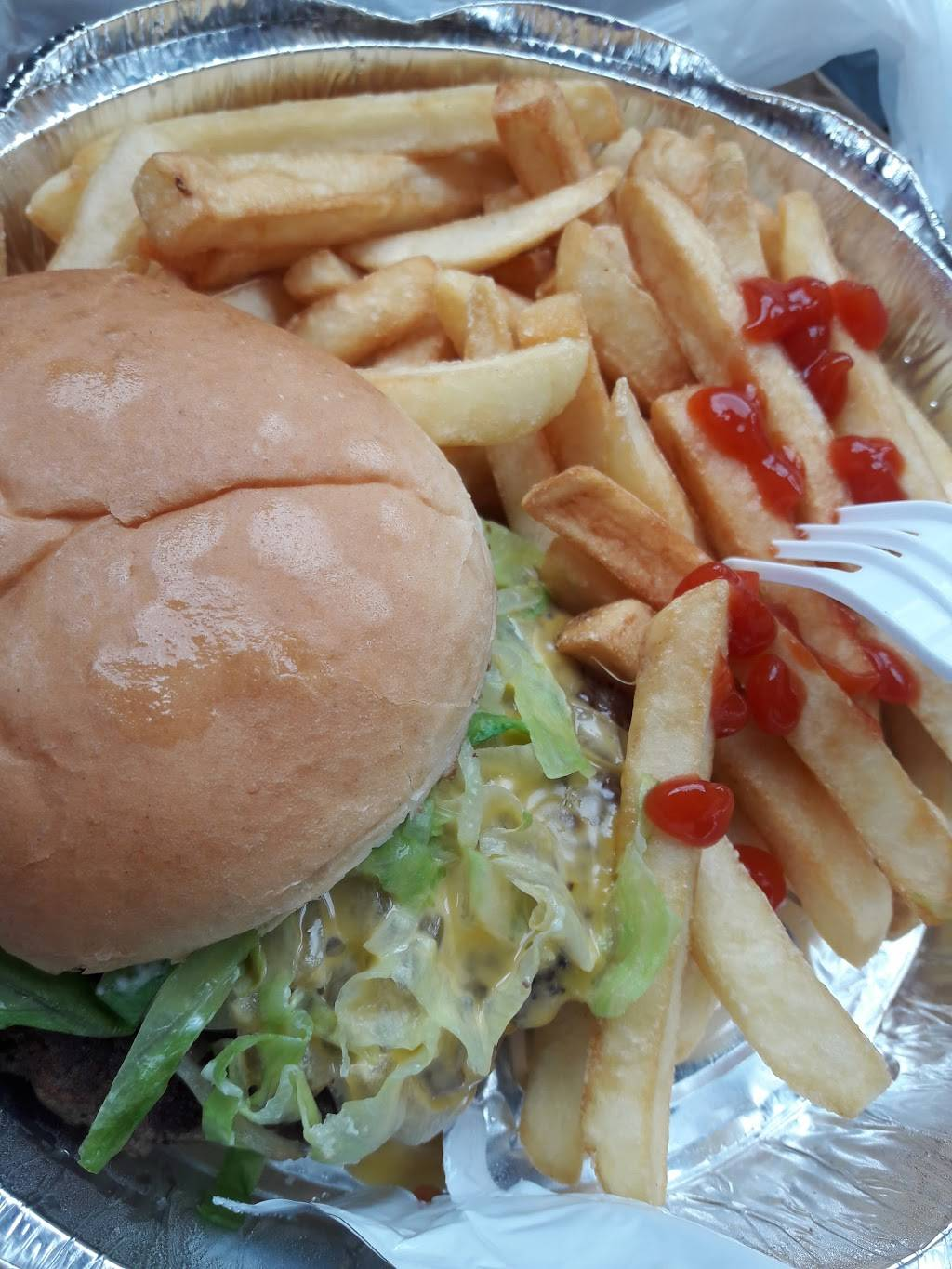 Jimbos Hamburger | meal takeaway | 515 E Tremont Ave, Bronx, NY 10457, USA | 3475901287 OR +1 347-590-1287