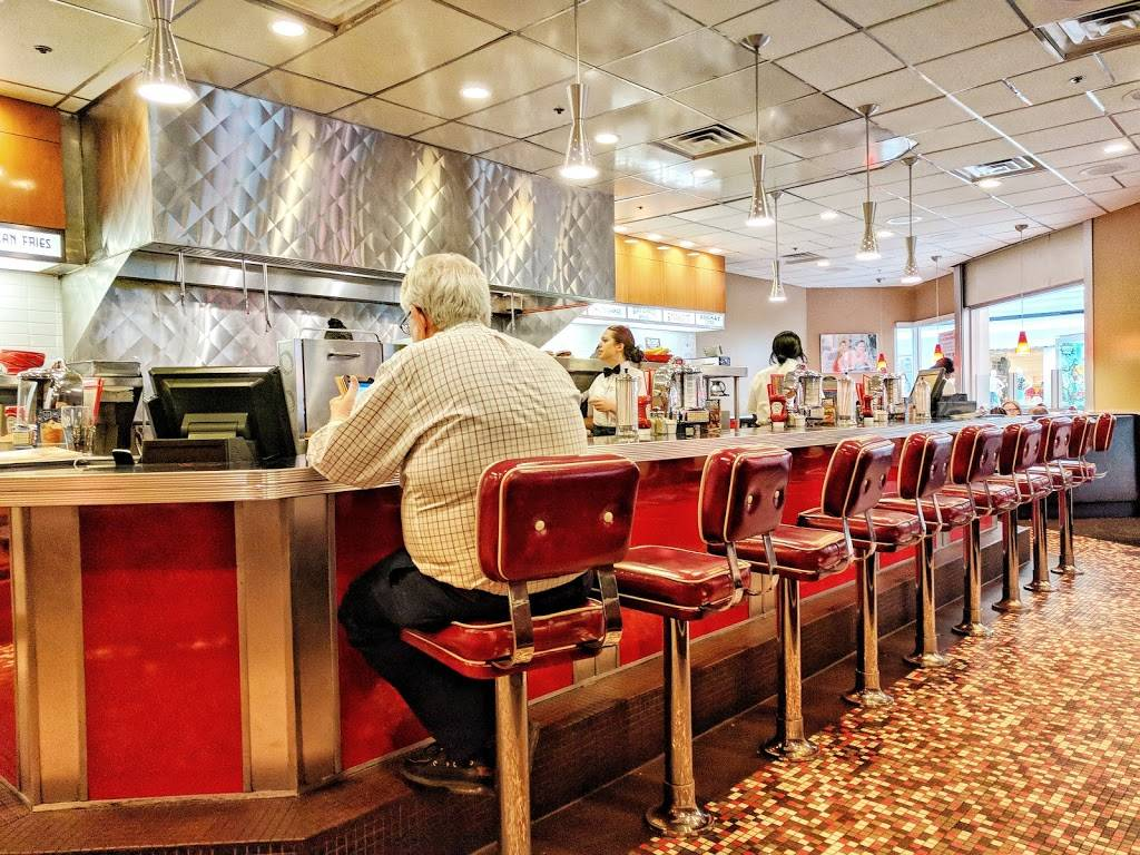 Johnny Rockets | restaurant | 300 Monticello Ave Suite 320, Norfolk, VA 23510, USA | 7576227330 OR +1 757-622-7330