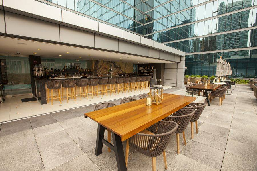 Streeterville Social | restaurant | 455 N Park Dr, Chicago, IL 60611, USA | 3128406617 OR +1 312-840-6617