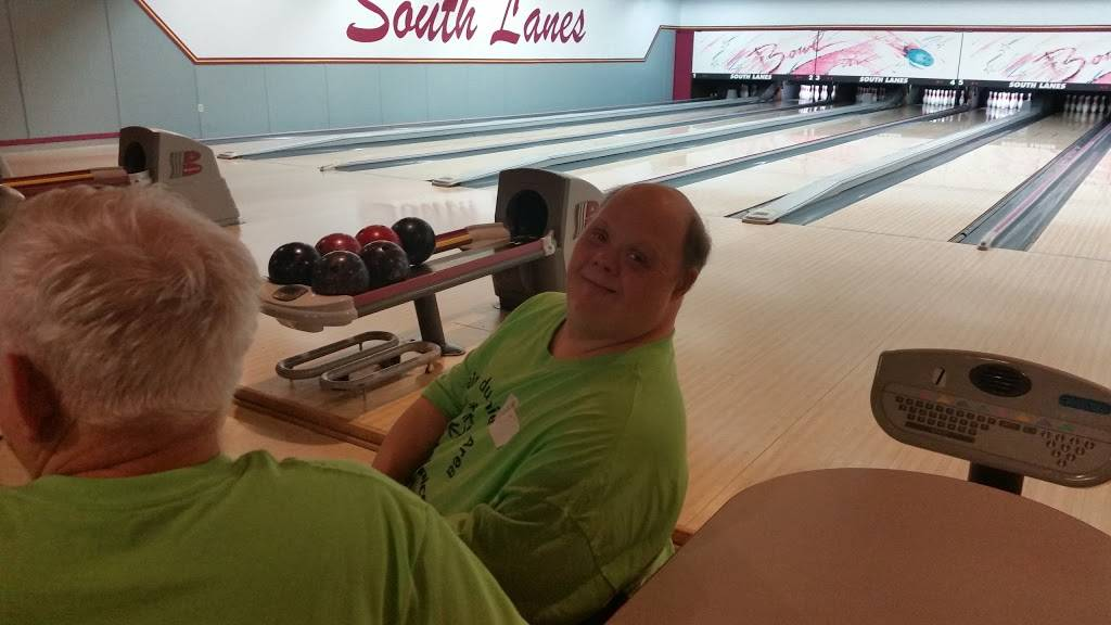 South Lanes Pizza & Bowling | meal delivery | 4107 Mormon Coulee Rd, La Crosse, WI 54601, USA | 6087881303 OR +1 608-788-1303