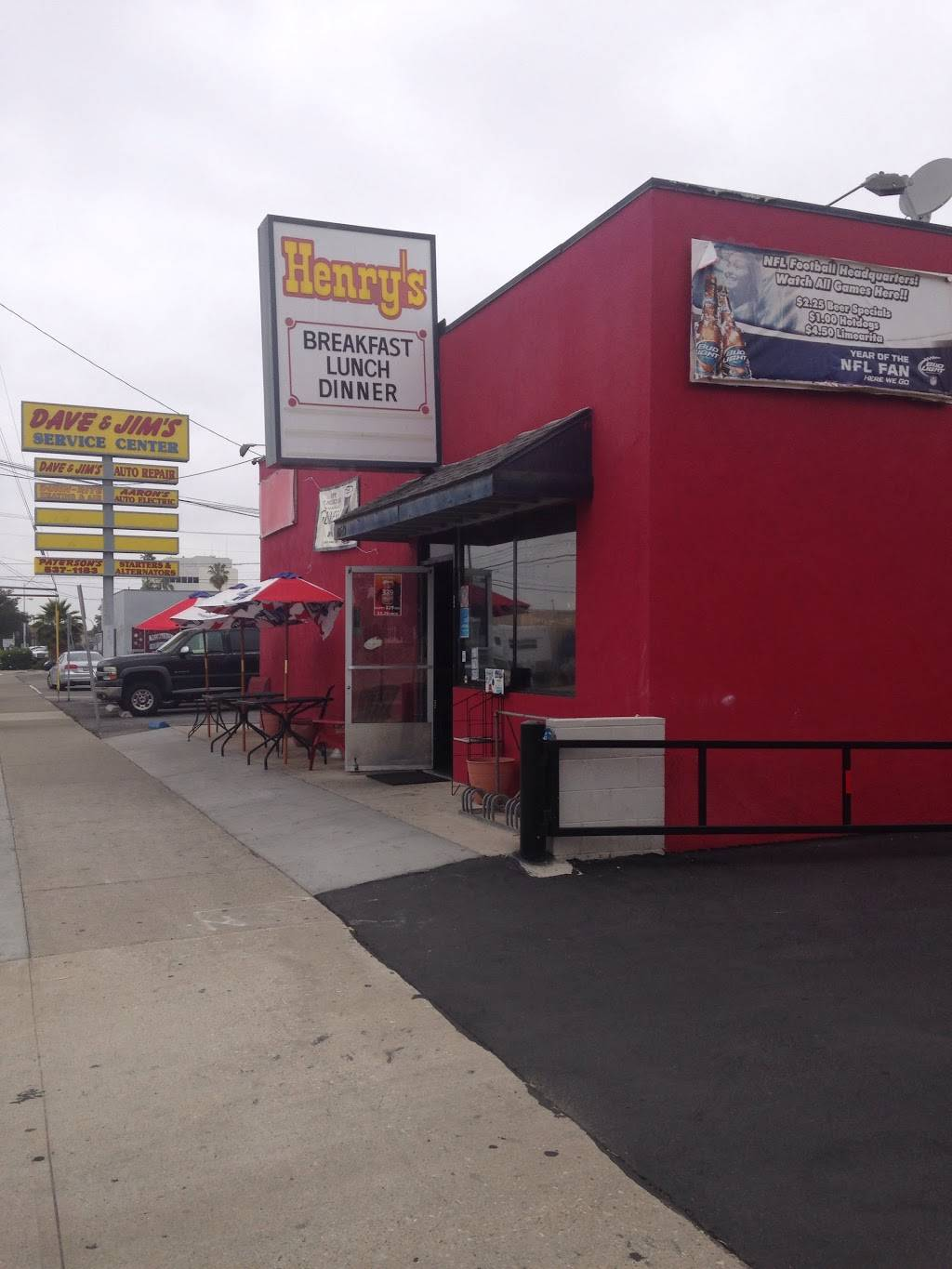 Henrys Bar and Grill | restaurant | 10549 Stanford Ave, Garden Grove, CA 92840, USA | 7145379884 OR +1 714-537-9884